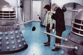 O 1º Doutor encara os Daleks