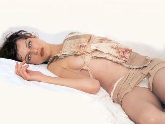Milla Jovovich photo gallery (2)