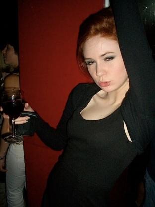 karen-gillan-drunk-1