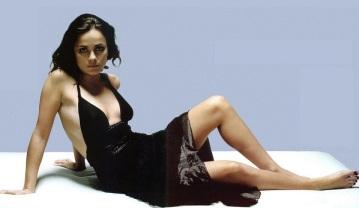 Alice Braga Hot