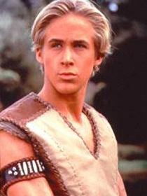 Ryan Gosling como o jovem Hércules