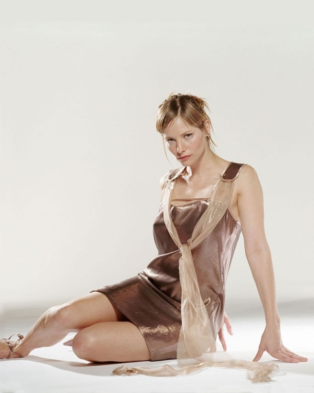 sienna-guillory-03