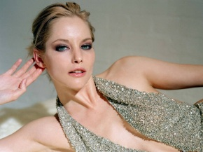 Sienna-Guillory-5