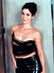 carrie-anne-moss-4859