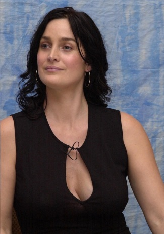 Carrie-Anne-Moss-pics-4