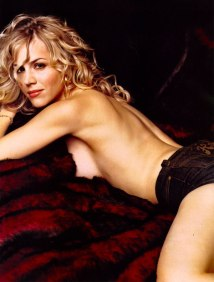 julie-benz-saw-5