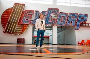 Lex Luthor (Jesse Eisenberg) na sede da LexCorp