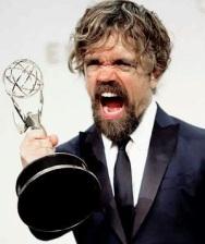 Peter Dinklage recebe seu Emmy
