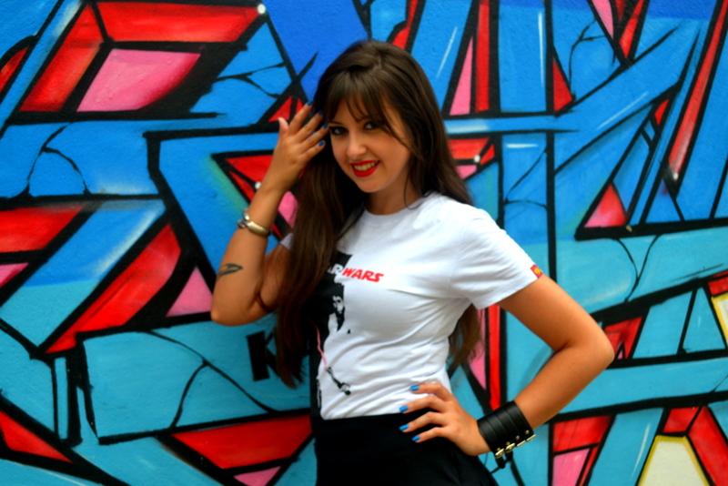 Aclamada pela beleza e conhecimentos, Mariana Mel prova que as garotas geeks têm muitos encantos