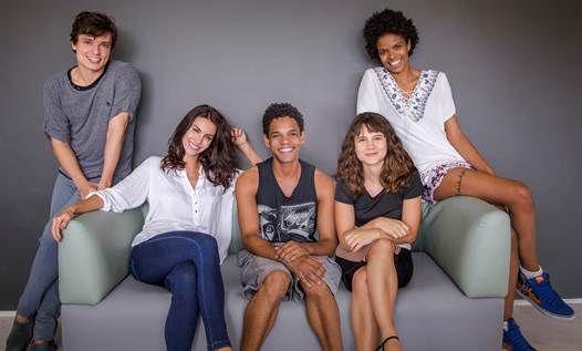 Rafael Lozano, Mel Fronckowiak, Michel Gomes, Bianca Comparato e Vaneza Oliveira