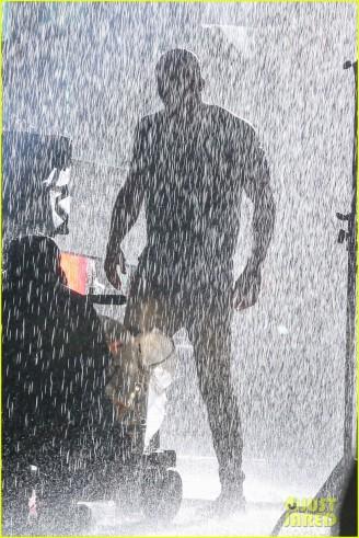 ryan-reynolds-deadpool-is-unmasked-for-rainy-sequel-scene-01