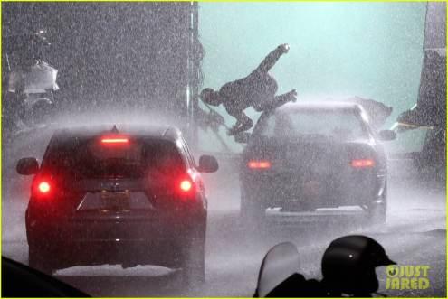 ryan-reynolds-deadpool-is-unmasked-for-rainy-sequel-scene-03