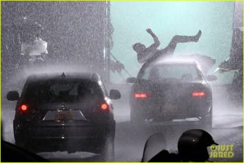 ryan-reynolds-deadpool-is-unmasked-for-rainy-sequel-scene-42